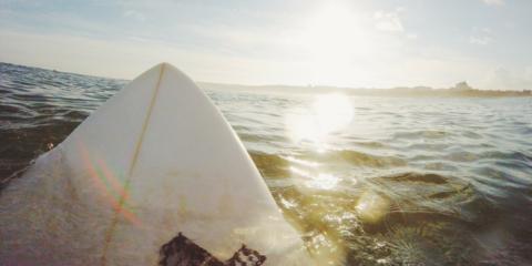 So hast du dein Surfboard auf Reisen immer dabei
