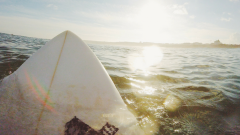Positionierung auf dem Surfboard