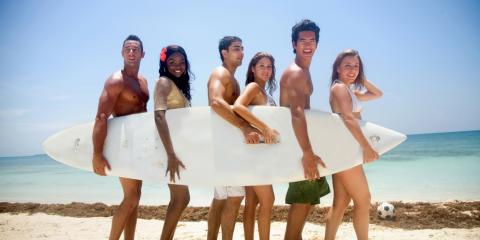 Die drei besten Surfcamps für Surf-Anfänger